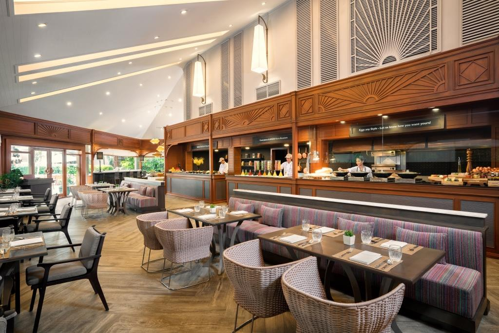 AVANI Pattaya_Garden_Cafe_01