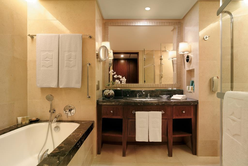 Deluxe Room – Bathroom_Shangri-La Hotel, Bangkok