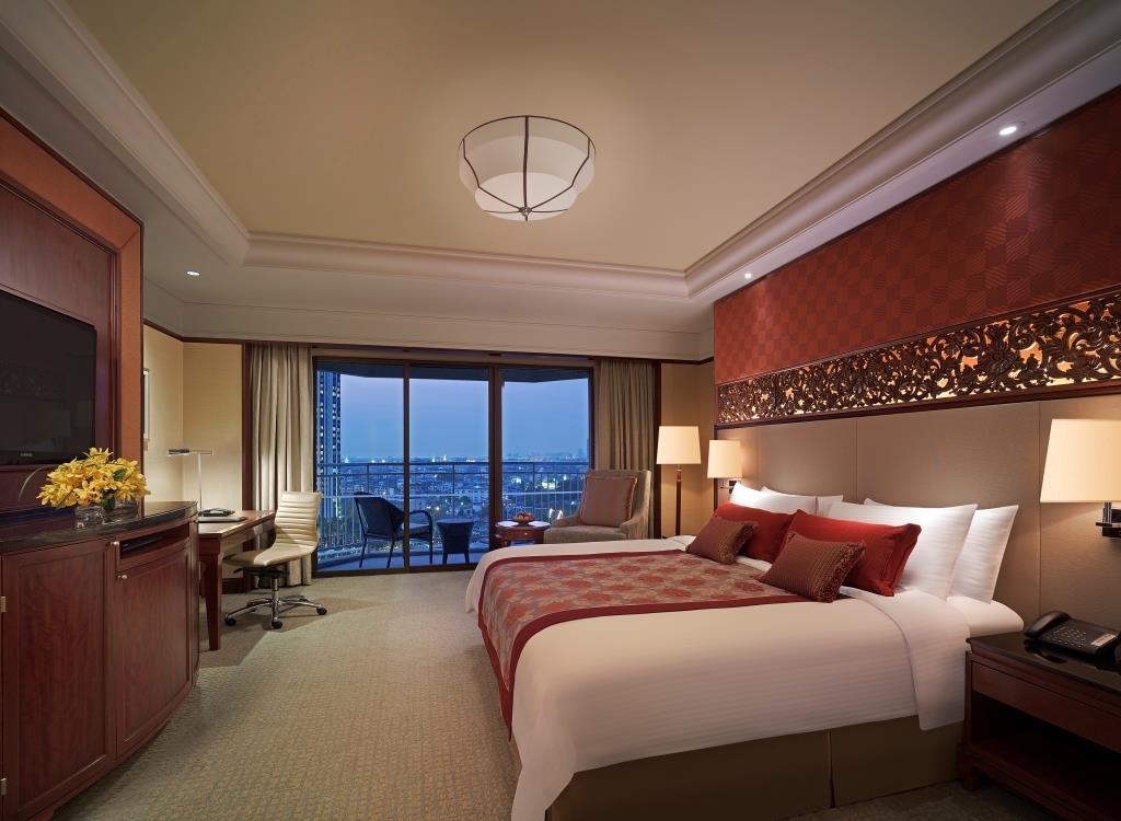 Deluxue Balcony Room_Shangri-La Hotel, Bangkok