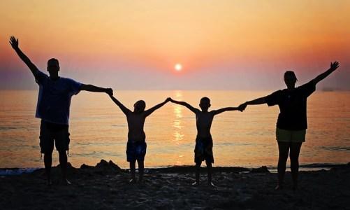 Οι πέντε πιο οικονομικοί προορισμοί για να ταξιδέψετε με την οικογένεια τον Αύγουστο
