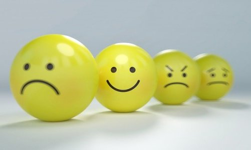 Θετική επικοινωνία: Πώς οι λέξεις δημιουργούν συναισθήματα και επηρεάζουν συμπεριφορές