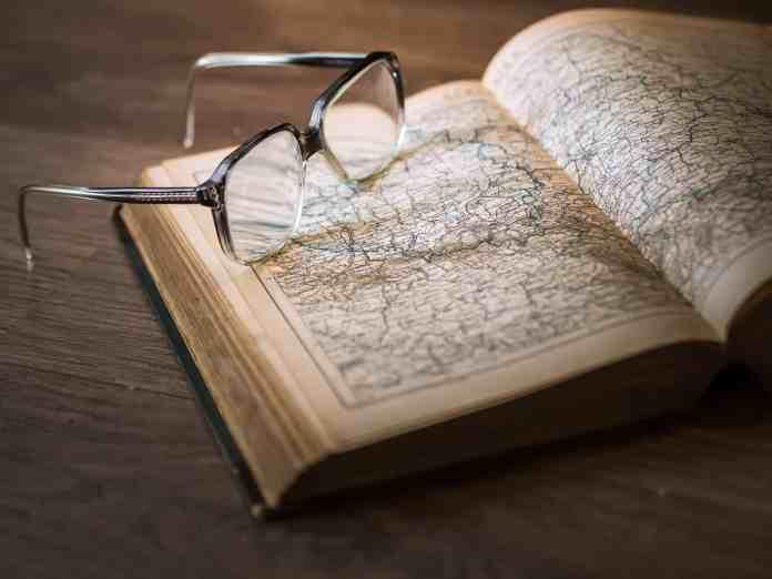 boek en bril