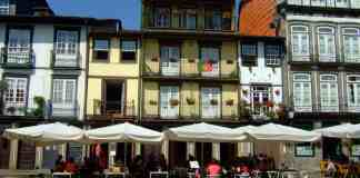 kleurige huizen guimaraes