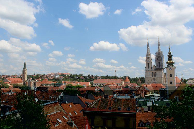 Vue sur les toits de Zagreb