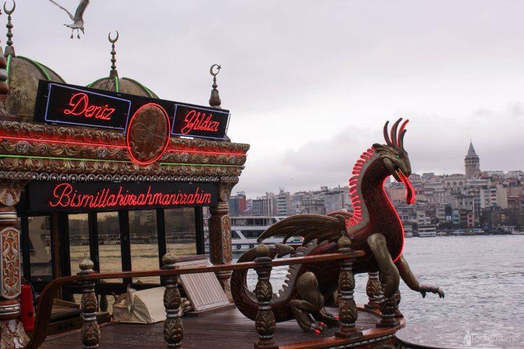 Un restaurant au bord du Bosphore à Istanbul