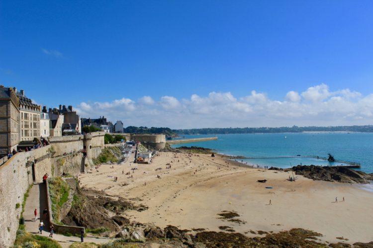 vue sur la plage de Saint- Malo