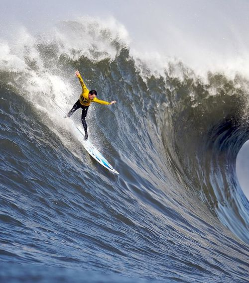 Amazing Waves – The Worlds 25 Best Surfing Spots
