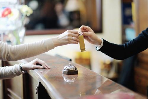 Hotel Secrets  10 Confessions of Front Desk Clerks  Tourist Meets Traveler