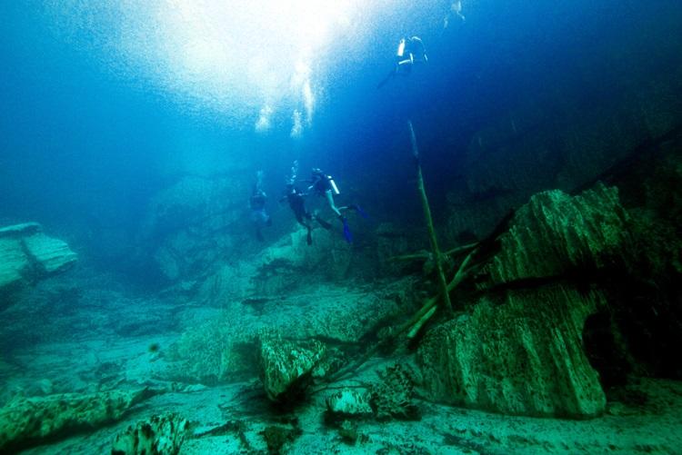 Barracuda Lake Diving