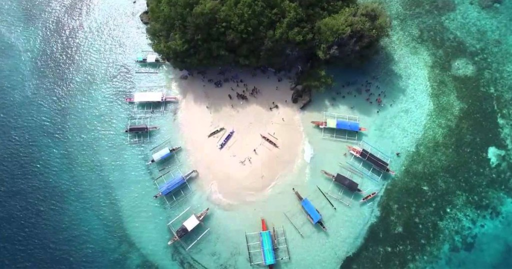 Britania Islands Surigao del Sur