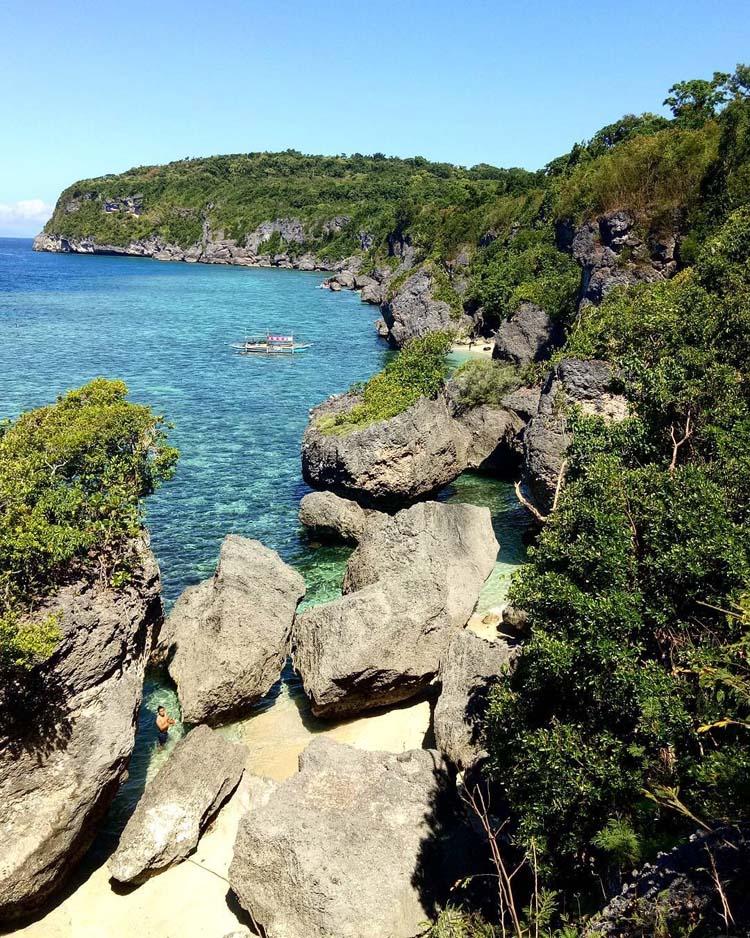 Tres Reyes Islands