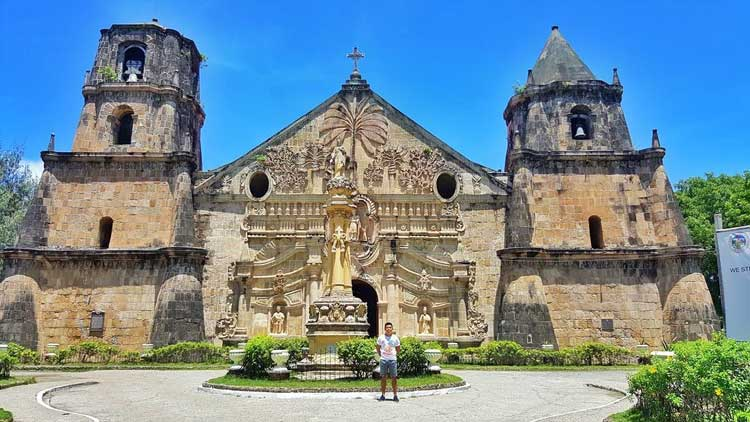 9. Santo Tomas de Villanueva Church