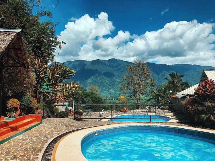 Haven's Peak Highland Resort