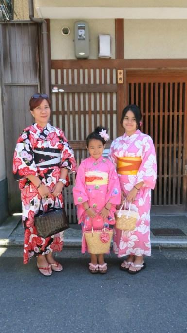 klien tour ke jepang berkimono di kyoto summer