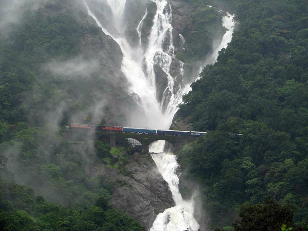 Athirapally Falls Wallpapers Dudhsagar Waterfall Tourmet