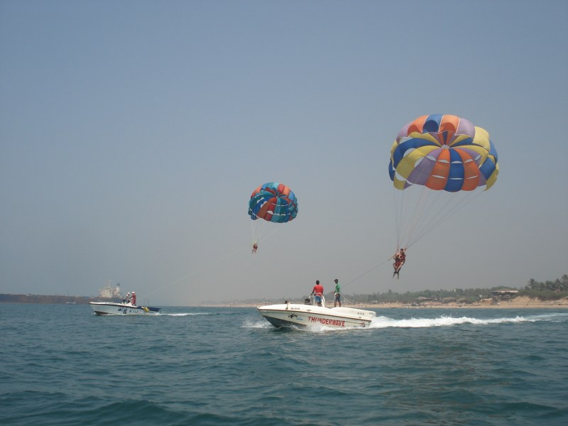 Parasailling in Goa