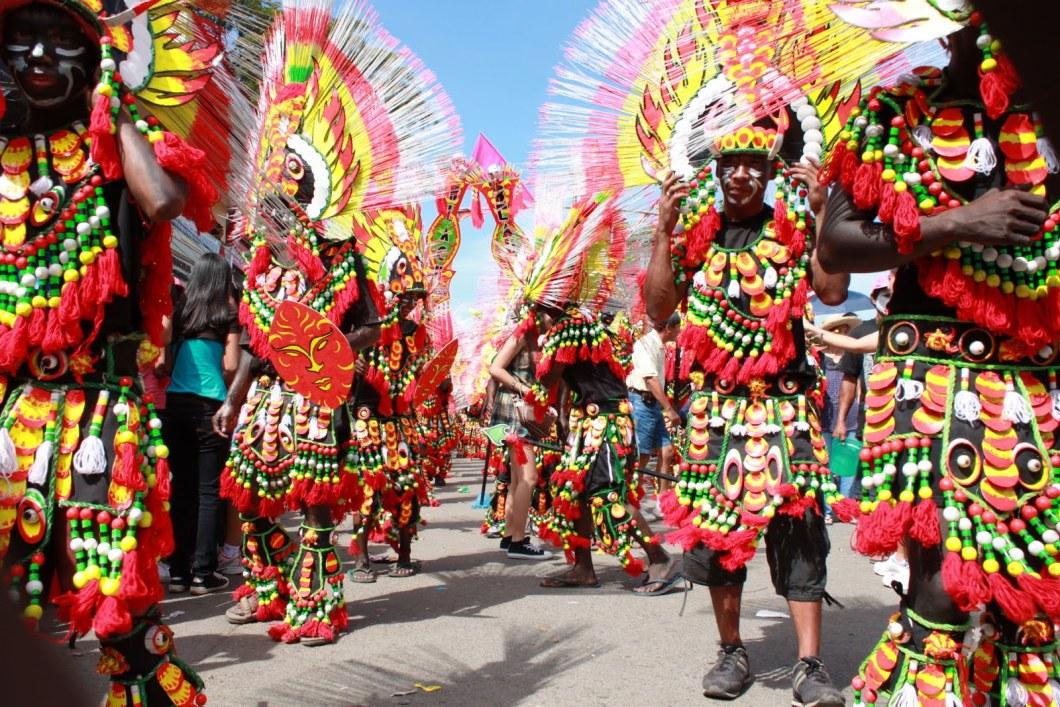 шествие карнавала