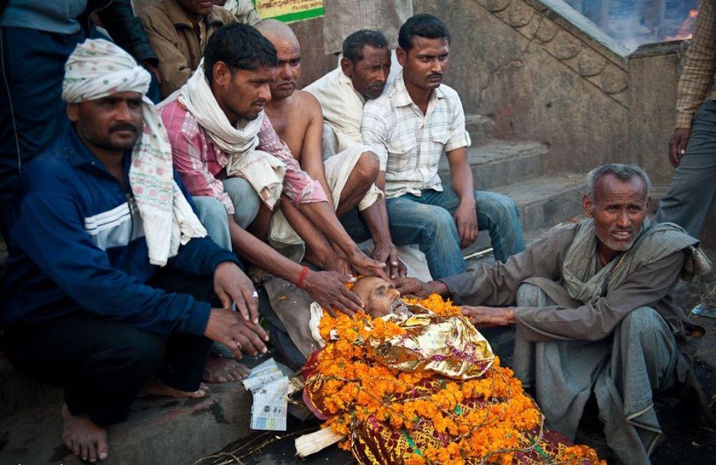подготовка к обряду кремации