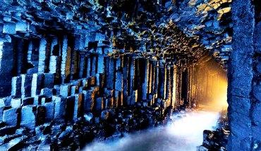 призрачная пещера