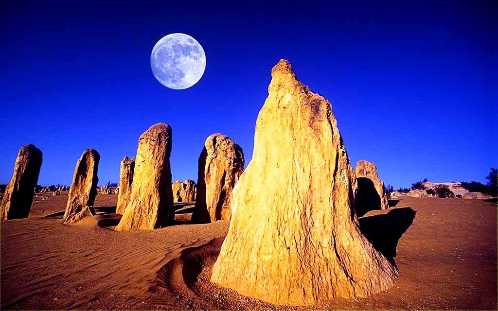 пиннаклс при свете луны