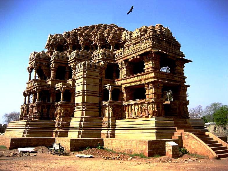 храм Сас Баху