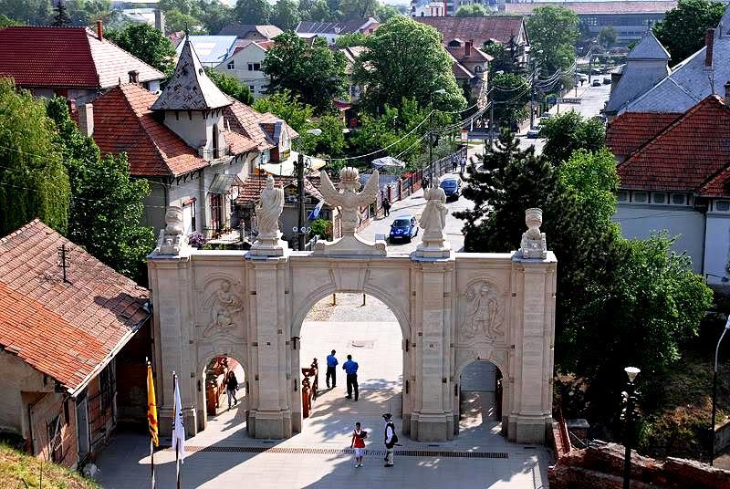 ворота альба-юлии