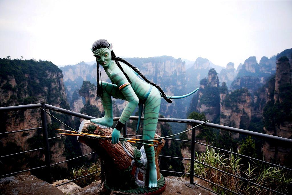 статуя в парке чжанцзяцзе