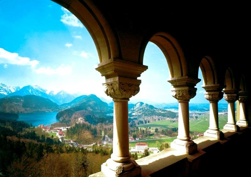 балкон в замке нойшванштайн