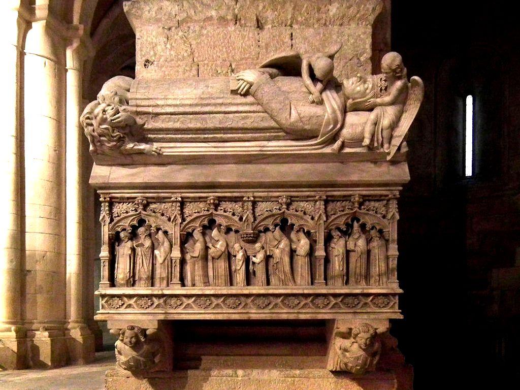 гробница альфонсо