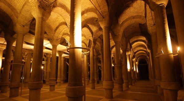 Binbirdirek Sarnıcı - Cistern of Philoxenos