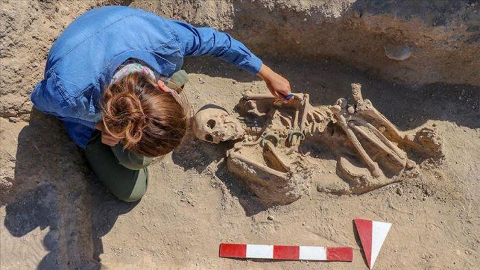 Urartian Women's Grave Found in Van