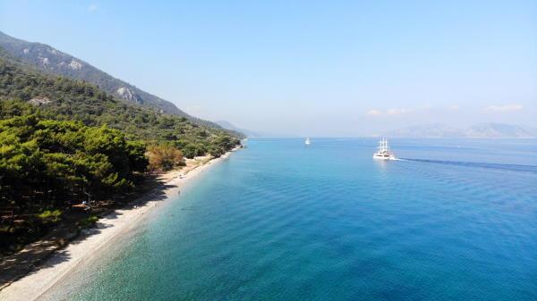 Boat Cruises Passing Nearby Dilek Peninsula National Park in Kusadasi