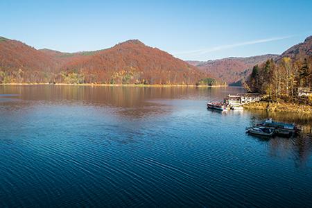 Vidraru Lake by Andrei-Daniel Nicolae on Transfagarasan Tour