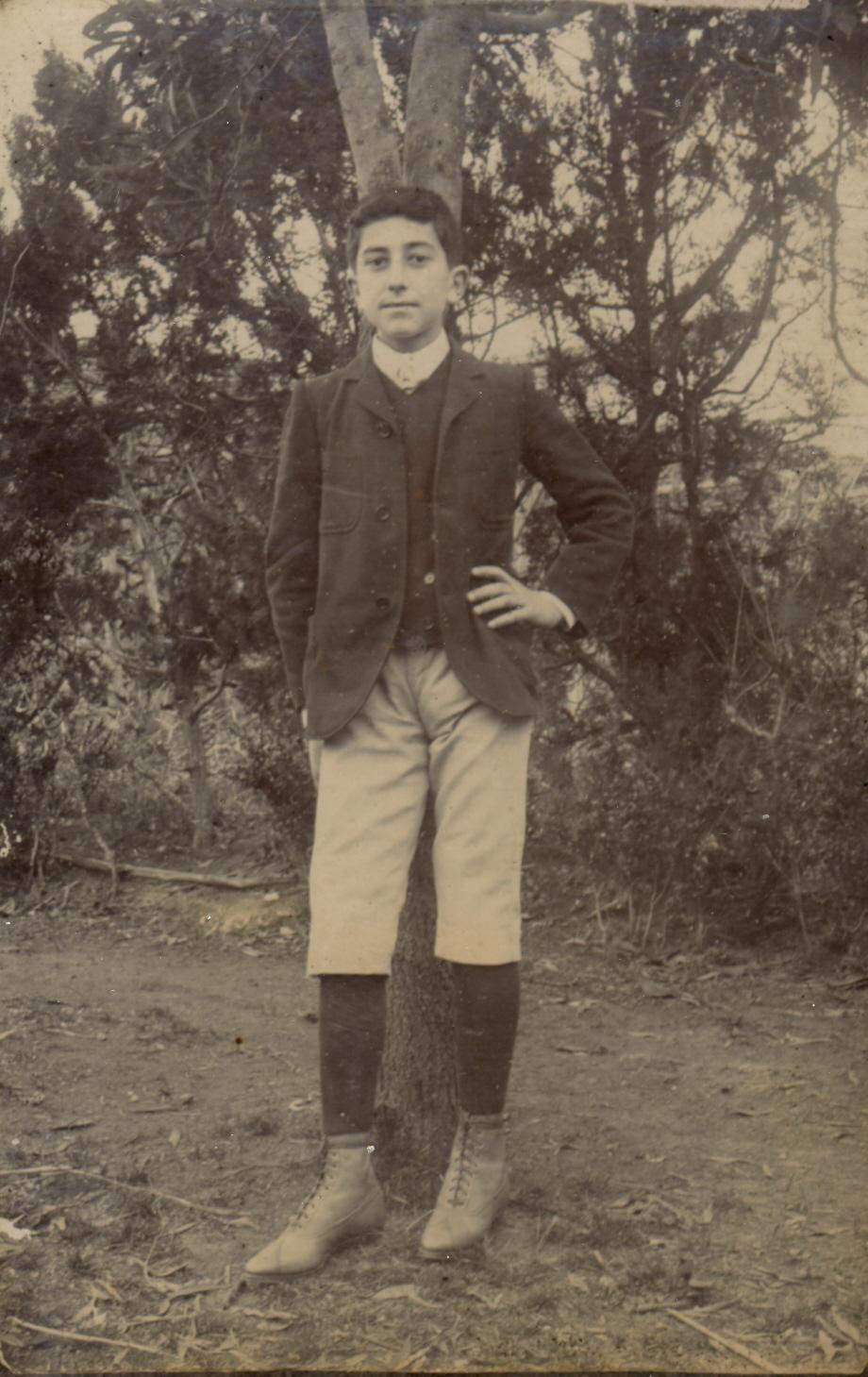 Domingos-Rebêlo-aos14-anos-Colégio-Fisher-1906 Azores Artist