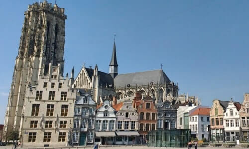 Get to see the Mechelen must-sees on your food tour - St Rumbold's Cathedral
