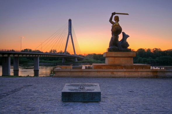 The Monument to Warsaw Mermaid - the city symbol
