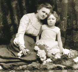Maria Skłodowska-Curie and her daughter Irene
