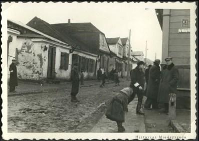 the Międzyrzec ghetto