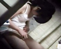 【家庭内盗撮動画】姉と妹の着替えやオナニーしてる姿を隠し撮り…かなり生々しい映像が流出したww