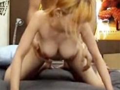 【素人SEX盗撮動画】関西弁が可愛い10代金髪ギャルがスキンシップからセックスに持ち込まれる一部始終ww