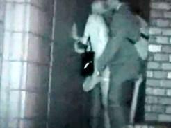 【赤外線カメラ盗撮動画】ビルとビルの間に隠れて立ちバックで着衣セックスするカップルを隠し撮り…