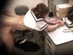 【JKレイプ隠撮動画】万引きの代償で中出しされてしまった女子校生…涙を流しながら喘ぐww