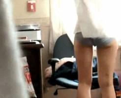 【家庭内盗撮動画】パジャマから学校指定の制服に着替える女子校生の妹を隠しカメラ撮りww