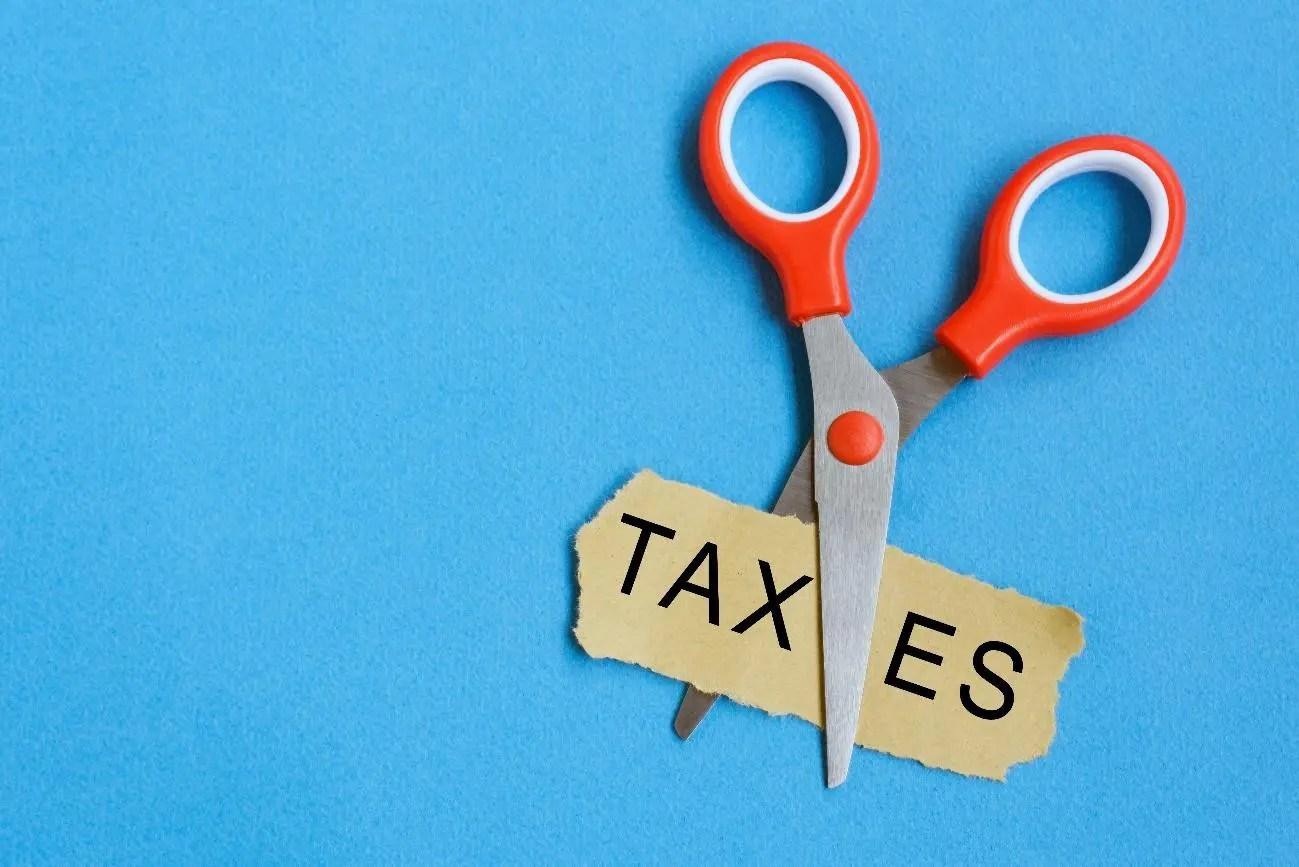 年収1000万円サラリーマンの税金対策10選!増税前後の違いも解説