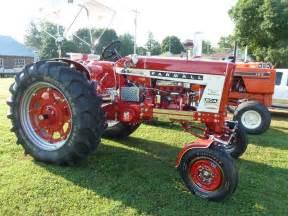 tracteur Farmall 504