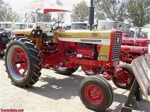 tracteur Farmall 544