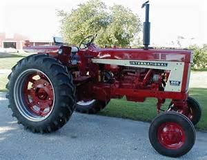 tracteur Farmall 666