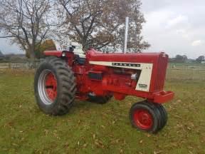 tracteur Farmall 806