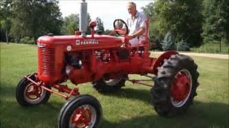 tracteur Farmall B