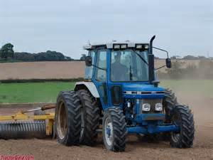 tracteur Ford 6810